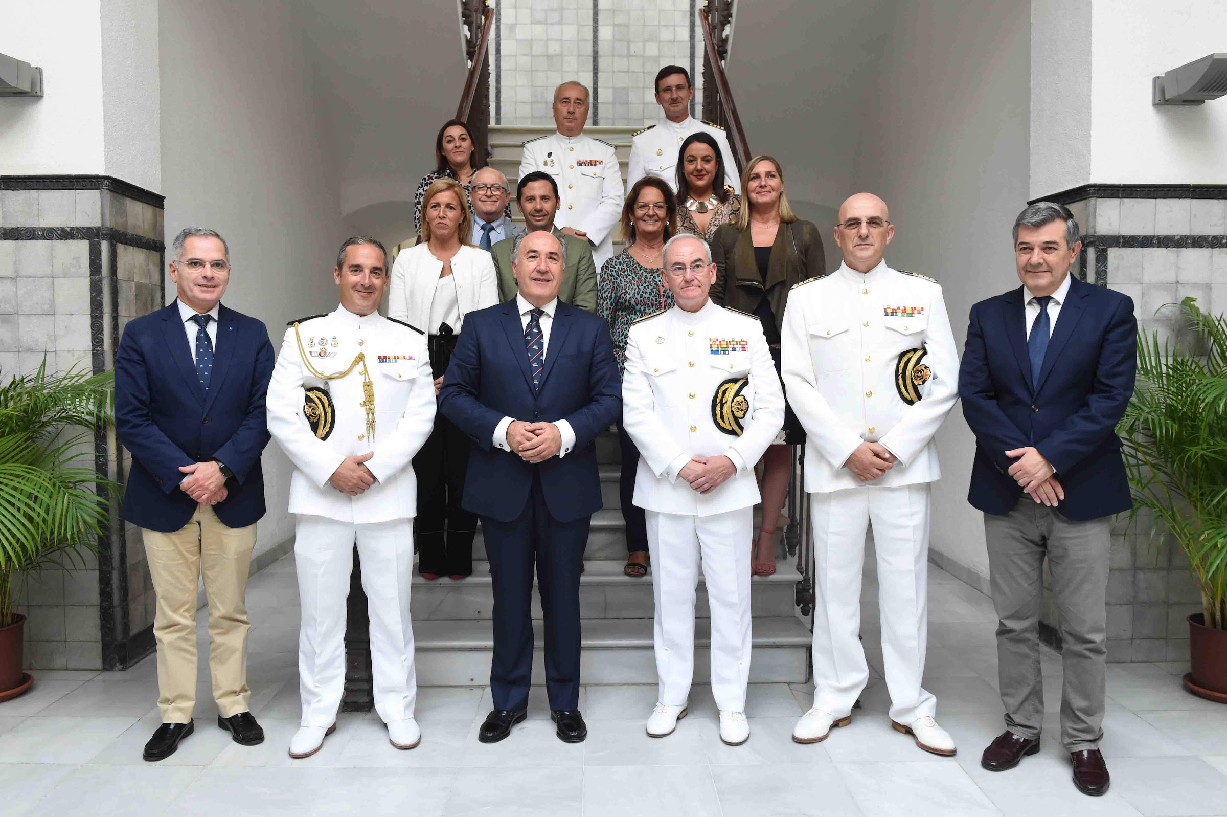 "El 6 de abril Jura de Bandera civil sobre la cubierta del buque portaaeronaves ""Juan Carlos I"""