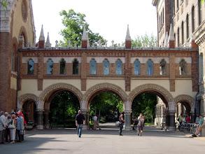 Photo: Az egyetem központi könyvtárának épületét Pecz Samu műegyetemi professzor tervezte, az épület 1909-ben készült el