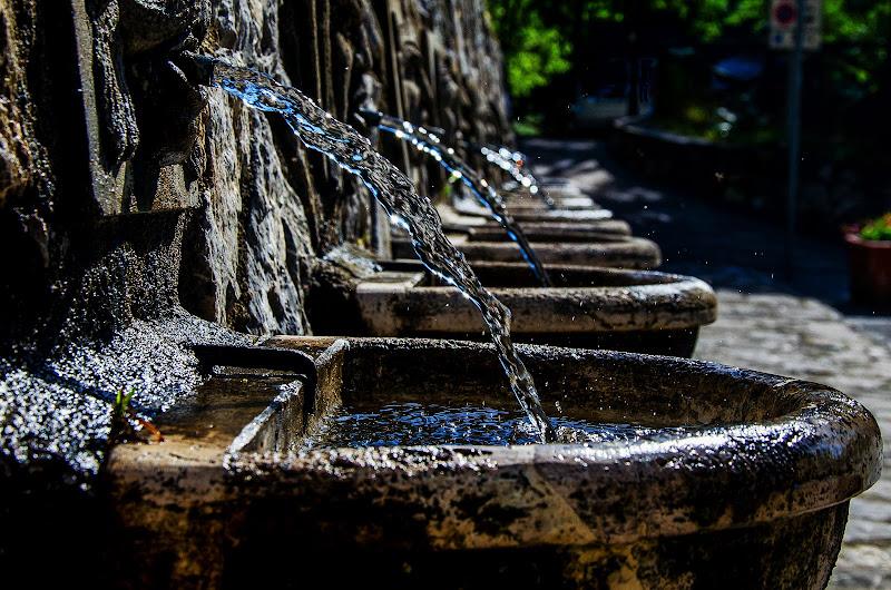 Acqua che brilli . di Fiore Doncovio