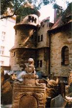 Photo: Praga, Museo della Confraternita della Morte presso il cimitero ebraico