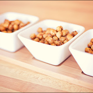 Spicy Roasted Chickpeas – Easy healthy snack or side dish.