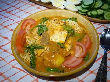 Mee Bandung (Noodles with Sweet Potato Sauce)