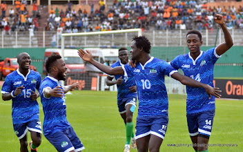Photo: The Leone Stars celebrate going 1-nil in the first half [Leone Stars v Ivory Coast, 6 September 2014 (Pic © Darren McKinstry / www.johnnymckinstry.com)]