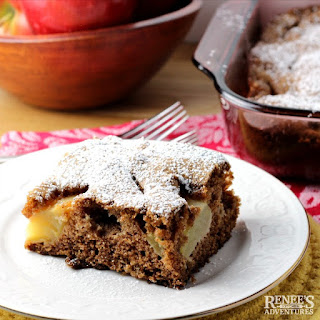 Old Fashioned Fresh Apple Cake.