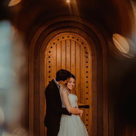 Wedding photographer Victor Zubiate (VictorZubiate). Photo of 31.08.2017