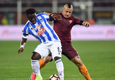 Pescara-middenvelder Sulley Muntari is slachtoffer van racisme in Serie A