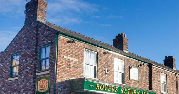 Corrie wins Broadcast Award for best soap