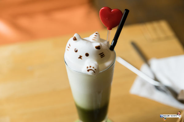 喵星人走秀與超萌的立體拉花咖啡就在貓旅行咖啡輕食館