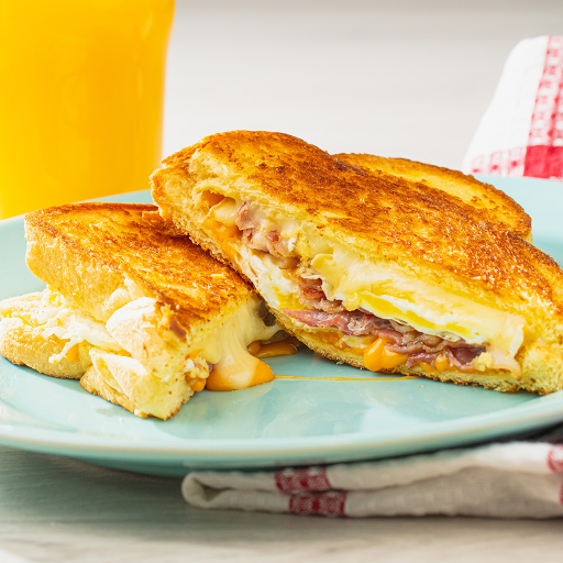 Grilled Trio Cheese & Fried Egg