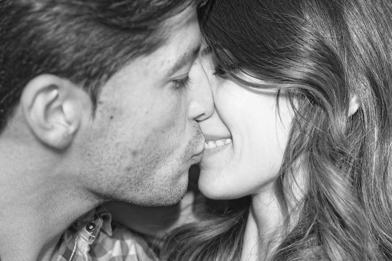 Kissing di Yasis