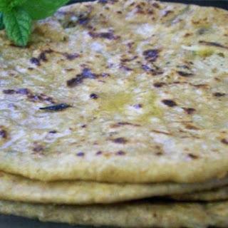 Indian Stuffed Cauliflower Chappati (Gobi ka Paratha)