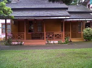 http://vilaistanabungavilage.blogspot.com/2014/05/villa-murah-di-lembang-yang-ada-kolam.html