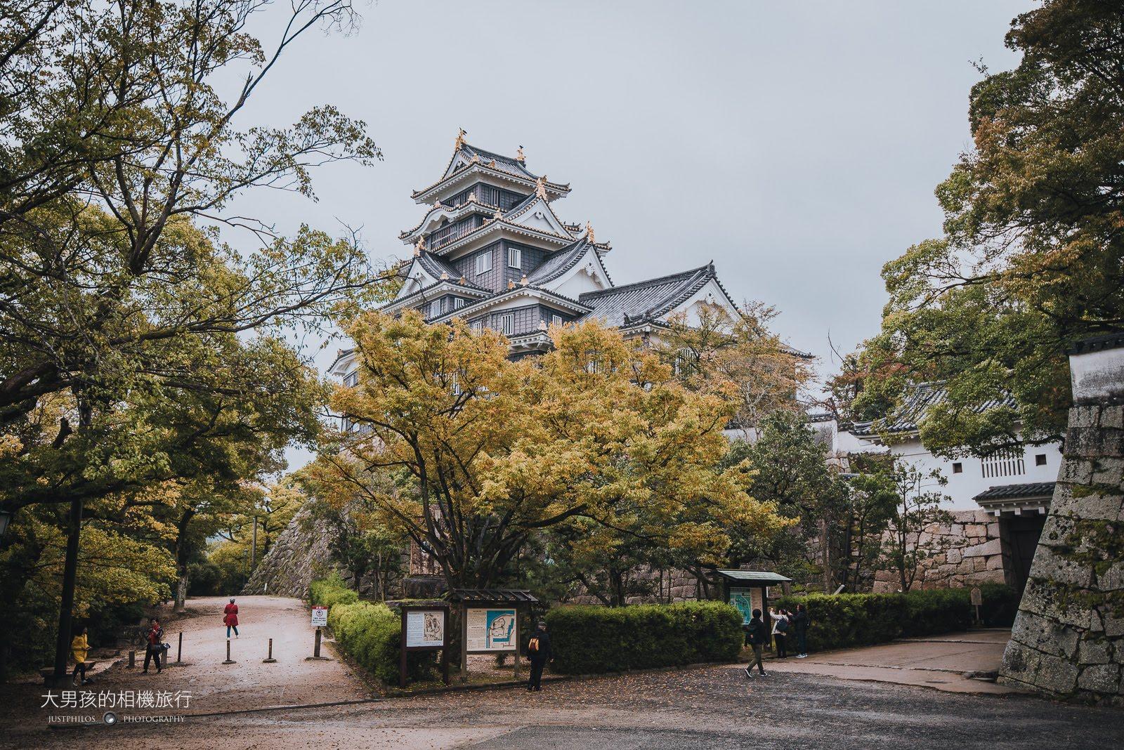岡山城又被稱作烏城,天守閣本身雖不大但滿具有特色。