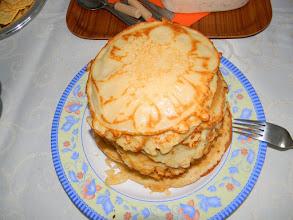 Photo: Keskeisessä osassa maslenitsan viettoa ovat blinit, pyöreät venäläiset pannukakut, joiden usein katsotaan symboloivan aurinkoa.