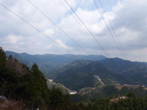 鉄塔から本宮山方面(左端に風頭山)