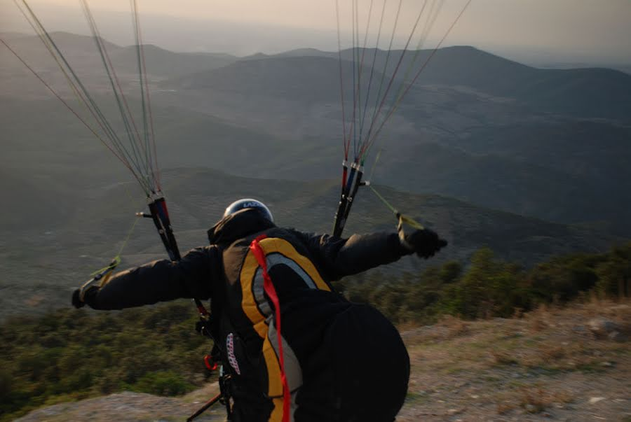 April EP beginners paragliding course. A lot of joking with the occasional soaking!!