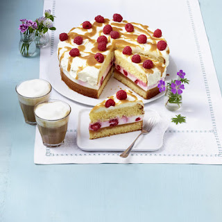 Peach and Raspberry Cake.
