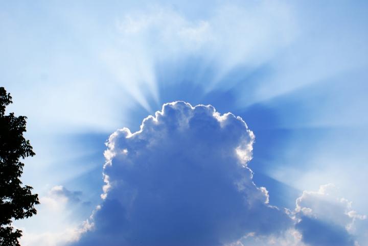 L'onnipotenza del cielo di Nicole Mattarelli