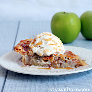 Apple pie a la mode recipe – making the holidays a little sweeter with Breyers!