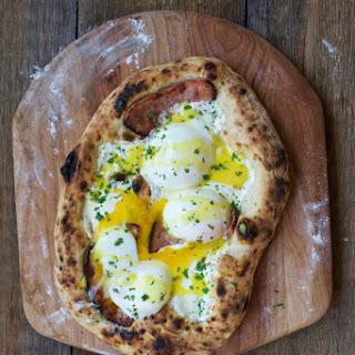 Sous Vide Eggs Benedict Pizza