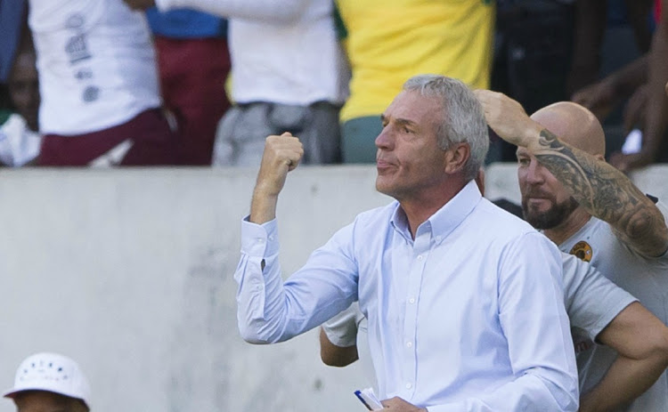 Chiefs coach Ernst Middendorp reluctant to let Hendrick