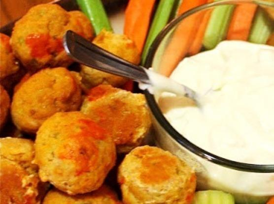 Serve with remaining sauce, Bleu Cheese dressing, celery & carrot sticks.   *NOTES: You may substitute...