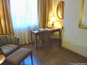 Photo: #014-Mandalay, le Mandalay Hill Resort. La chambre.