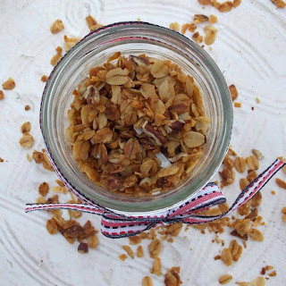 Gooseberry Patch {Slow Cooker} Granola
