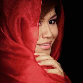 Smilling  by Maji Shuki - People Portraits of Women
