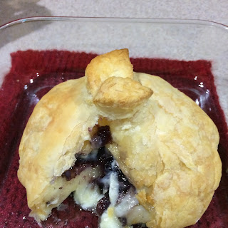 Bakes Brie with Puff Pastry.