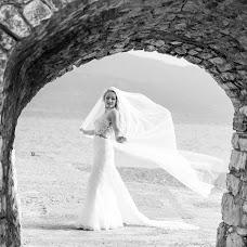 Wedding photographer Kostas Sinis (sinis). Photo of 25.11.2017