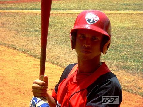 Enry Pantoja Mestre, jardinero del equipo Santiago de Cuba (sub-23)