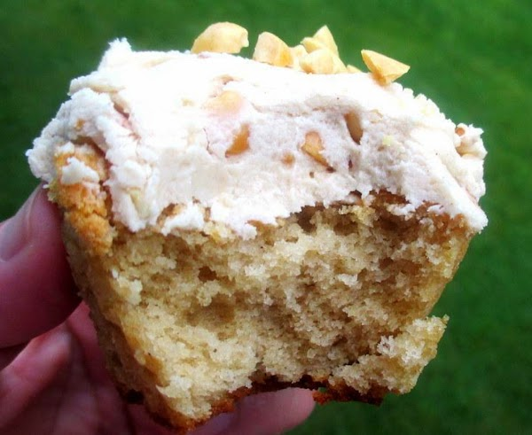 ~  Moist Peanut Butter Cupcakes ~ Delish! Recipe