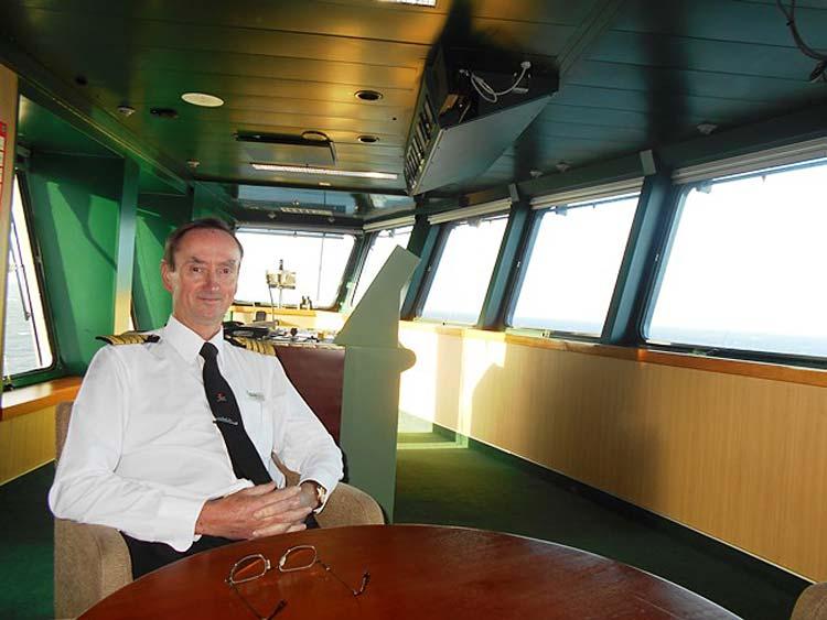 Queen Mary 2 Capt. Christopher Wells