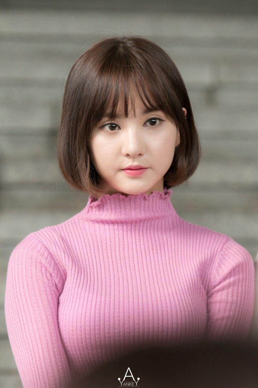 Gfriend-Eunha-Short-hair-styles-Short-bobs-with-bangs-