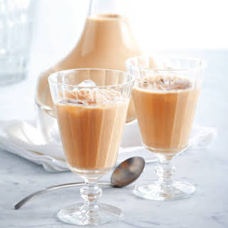 Homemade Whisky Cream Liqueur in 10 Minutes.