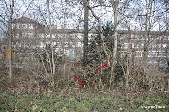 Photo: Markierungen im Grüngürtel entlang der Pragstraße B 10 gegenüber Polizei-/Wizemann-Areal