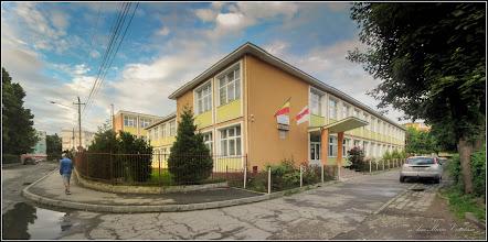"Photo: Turda - Str. Rapsodiei, nr.1 , intersectie cu Str. Baladei - Scoala ""Avram Iancu"" - 2017.05.26"