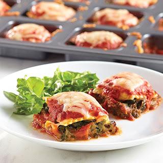 """Mini Spinach """"Lasagna"""" Squares."""