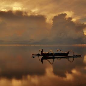 The photographer by Wahid Hasyim - Landscapes Sunsets & Sunrises ( beaches, sunset, photographer, shiluette, beach, sunrise, landscapes, landscape, people, golden,  )