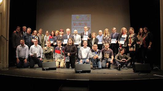 El Teatro Apolo acogió la IV Gala de Asperger con entrega de galardones
