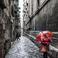 L'ombrello rosso di
