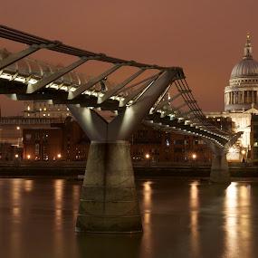 All Roads Lead to St Paul's by Ibrahim Johan - Buildings & Architecture Public & Historical ( london, st paul's, millenium bridge )