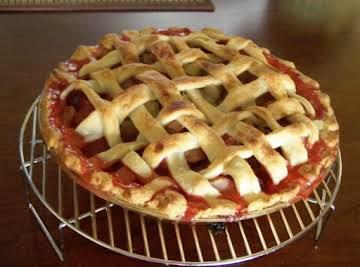 Lattice Strawberry-rhubarb pie