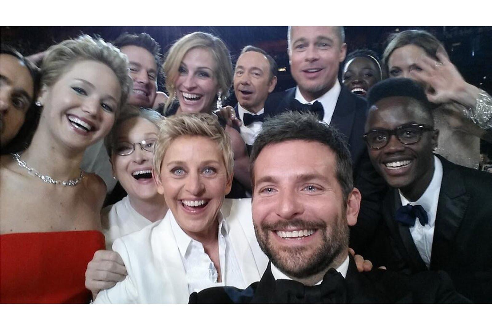 Ellen-Degeneres-selfie-Vogue-3March14-Twitter_b.jpg
