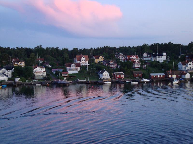fiordo svedese all'alba di seria