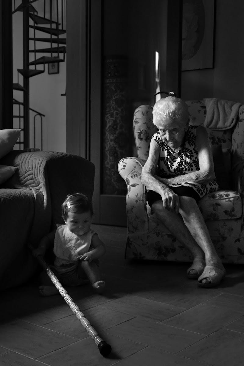 La bimba e la vecchietta di Salvatore Massaiu