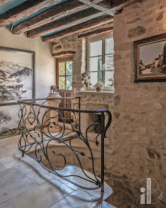 Vente propriété 10 pièces 330 m2