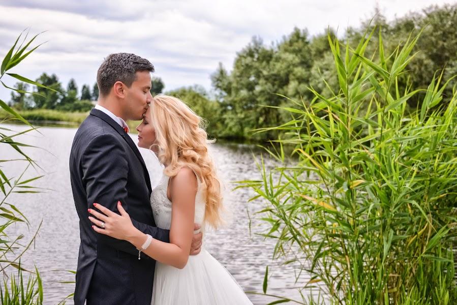Wedding photographer Vlad Axente (vladaxente). Photo of 15.05.2017