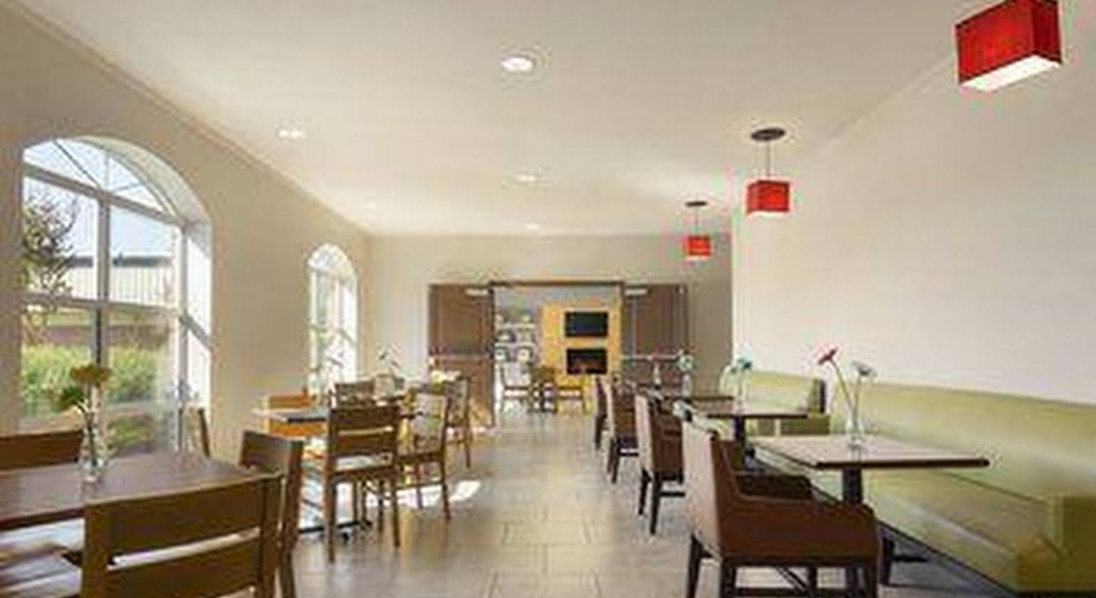 Country Inn and Suites Pineville